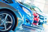 Nowe samochody na sprzedaż — Zdjęcie stockowe