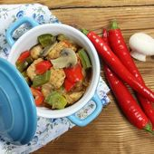 Chicken and  vegetables. — Stockfoto