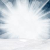 Monte de neve e luzes de inverno bokeh de fundo-Resumo — Fotografia Stock