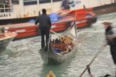 Tráfico en venecia — Foto de Stock