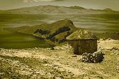 Hut on Isla del Sol in Lake Titicaca, Bolivia — Stock Photo