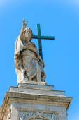 Statue at the top of Basilica of Saint John Lateran in Rome, Ita — Stock Photo