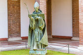 St. Anzelm statue in Rome, Italy. — Stockfoto