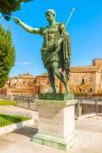 Statue of Emperor Augustus in Rome — Stock fotografie