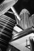 KUALA LUMPUR, MALAYSIA - JANUARY 14: Nightscape of Petronas Twin Towers — ストック写真