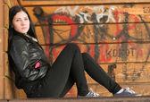 Mujer en el skate park — Foto de Stock