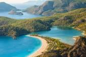 Oludeniz lagoon in sea landscape view of beach — Stockfoto