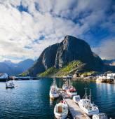 Scenic town of Reine  village, Lofoten islands, Norway — Stock Photo