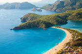 Oludeniz lagoon in sea landscape view of beach — Stock Photo