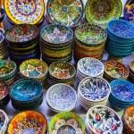 Classical Turkish ceramics on the market — Stock Photo #69936939