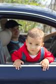 Baby and father in a car — Stock Photo