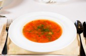 Bowl of spicy vegetable minestrone soup — Stock Photo