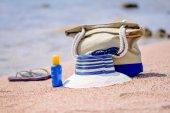 Beach gear on the sand overlooking the sea — Stock Photo