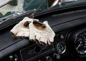 Vintage leather gloves for the vintage car race — Foto Stock