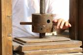Lathe with the grip for the artisan processing of paper — Stock Photo