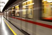 Metro wagon runs quickly in the Metro station — Stock Photo