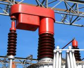 Red voltage regulator in a power plant — Stockfoto