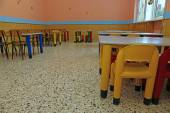 Dining room of a school for young children with small chairs and — Stock Photo