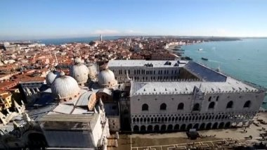 View of the city of venice italy from saint mark belltower — Stock Video