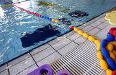Dětské hřiště v velký krytý bazén — Stock fotografie