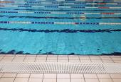 Lane swimming races in the Olympic swimming pool empty — Stock Photo
