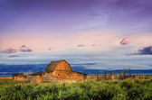 Scenic view of abandoned barn in Grand Teton, USA — Stock Photo
