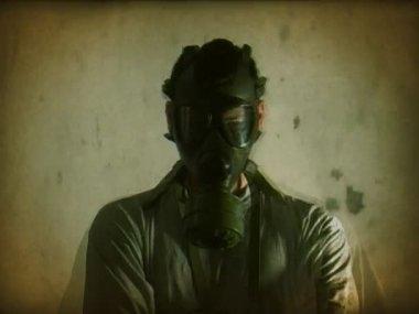 Gasmask horror — Stock Video