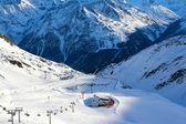 Telesquí en montañas — Foto de Stock