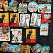 Magnety na zdi z Paříže — Stock fotografie