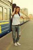 Mädchen mit gitarre — Stockfoto