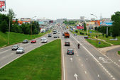 Ukmerges street and cars in Vilnius — Stock Photo