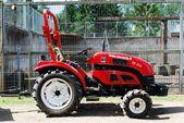 Small tractor in the Grutas park near Druskininkai town — Stockfoto