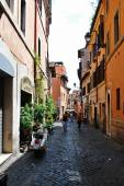 Narrow street in the old city on May 31, 2014, Rome — Stockfoto