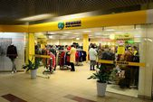 Vilnius city Seskine district Humana shop on October 17, 2014 — Stock Photo