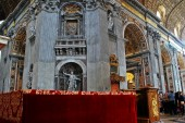 Inside view of Saint Peter's Basilica on May 31, 2014 — Stok fotoğraf