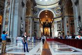 Inside view of Saint Peter's Basilica on May 31, 2014 — Stock Photo