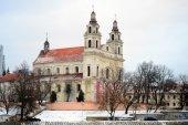 Vilnius başmelek kilisesi yönetim kurulu nehri üzerindeki neris nehri — Stok fotoğraf