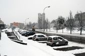 Winter snowfall in capital of Lithuania Vilnius city Fabijoniskes district — Stock Photo