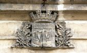 Blazon of the city of Paris (France), emblem of Paris cut in the stone — Stock Photo