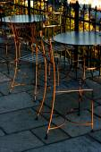 Chairs and tables in an outdoor cafe — Stock Photo