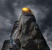 Golden Nest Egg Concept — Stock Photo