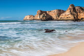 Summer beach with clear water. Albufeira, Portugal. — Stock Photo
