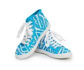 Zapatillas aislados sobre el fondo blanco — Foto de Stock