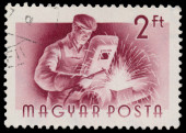 Stamp printed in Hungary, shows Welder — Stockfoto