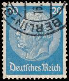 Stamp printed in Germany shows portrait of Paul von Hindenburg — Stock Photo