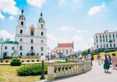 Believers leaving Cathedral of the Holy Spirit In Minsk, Belarus — Stock Photo
