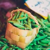 Fresh Vegetable Organic Green Beans In Wicker Basket. — Stock Photo