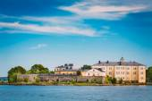 Sea Fortress. Residential Building At Suomenlinna In  Helsinki,  — Stock Photo
