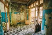 Dilapidated passage in school of Pripyat. Chernobyl Disaster — 图库照片