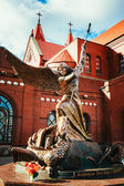 Statue of Archangel Michael with outstretched wings, thrusting s — Stock Photo